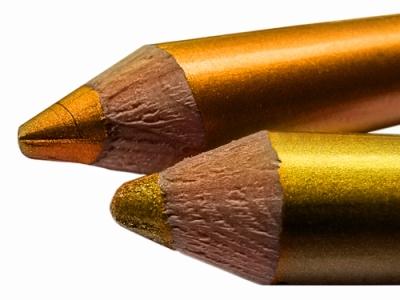 2 - Metallic eyeliner